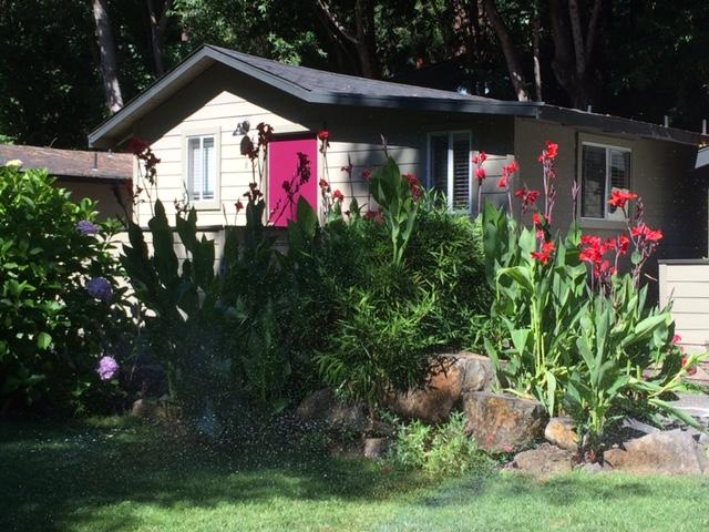 max-cottage-exterior